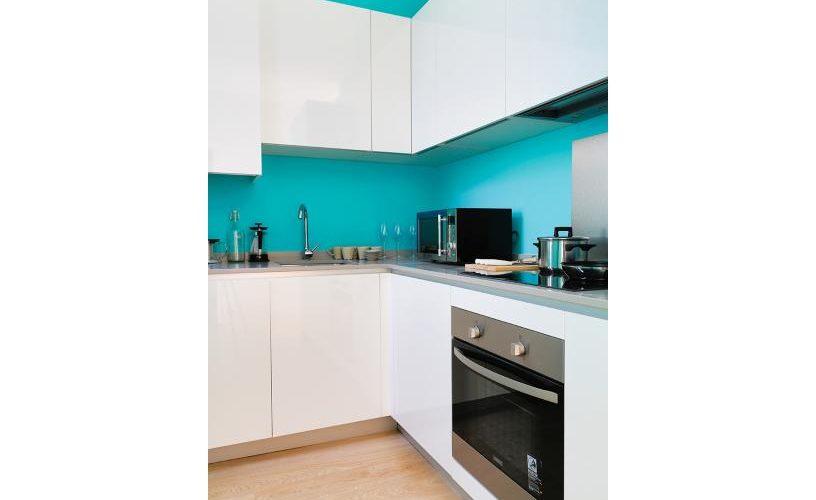 Cocina en apartamento un dormitorio 1 urbanvida la latina4