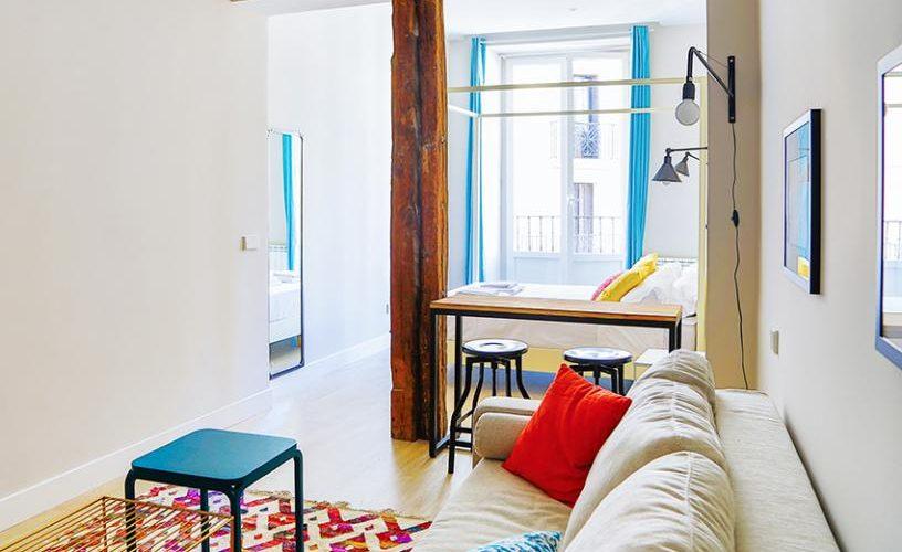 Salon y Habitación en Estudio loft urbanvida la latina